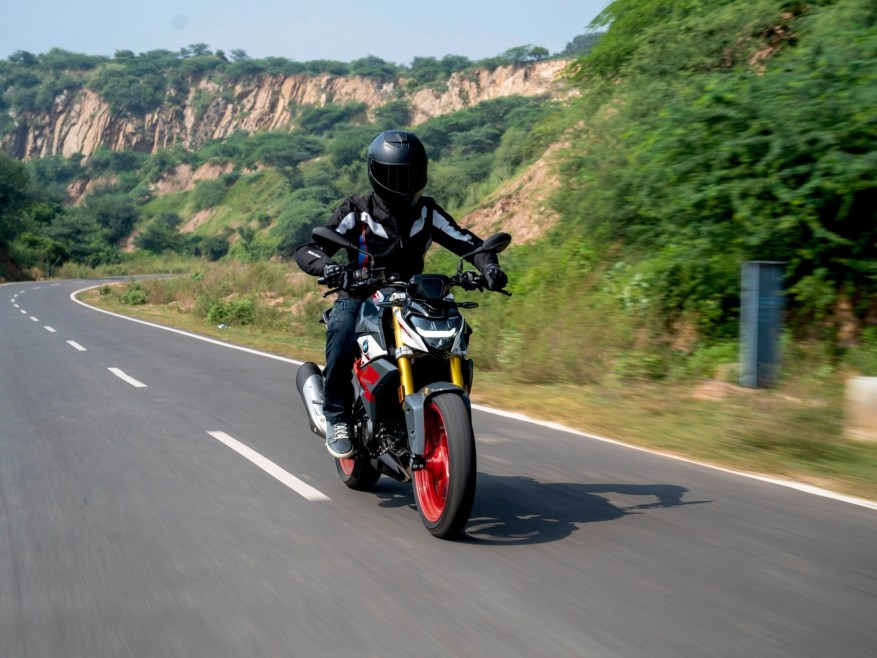 bmw gs 310 r - lightest touring motorcycles