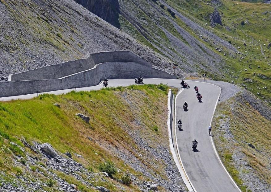 bikers on stelvio pass