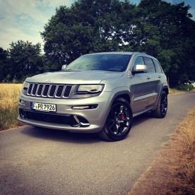 Aktuell_wird_Gefahren_Neuer_Jeep_Grand_Cherokee_SRT_6.4L_V8._Sehr_geil.