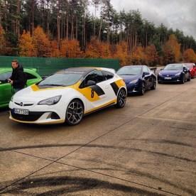 Driving_skills_verbessern_mit_dem_Opel_Astra_und_Corsa_-OPC.__latergram