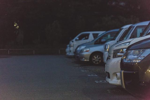 駐車場の風景の画像