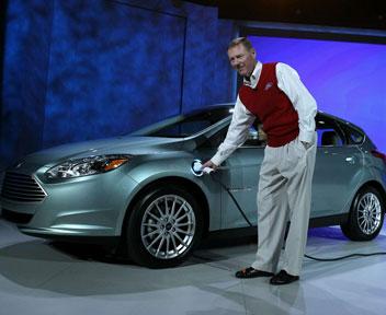 Il Ceo di Ford Alan Mulally presenta a Las Vegas la Focus elettrica