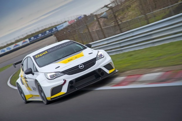 Opel-Astra-TCR-299181[1]