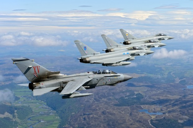 Un Tornado e tre Eurofighter Typhoon