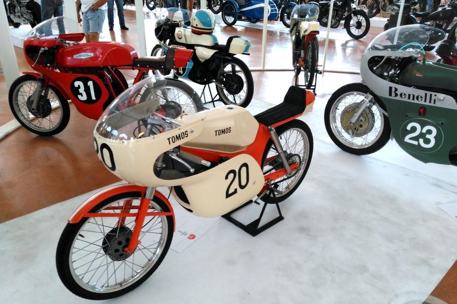31_tomos-50_moto-100-anni-di-storia