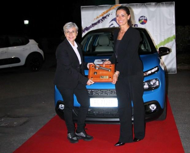 Il Presidente della UIGA Marina Terpolilli e Elena Fumagalli di Citroën con la C3