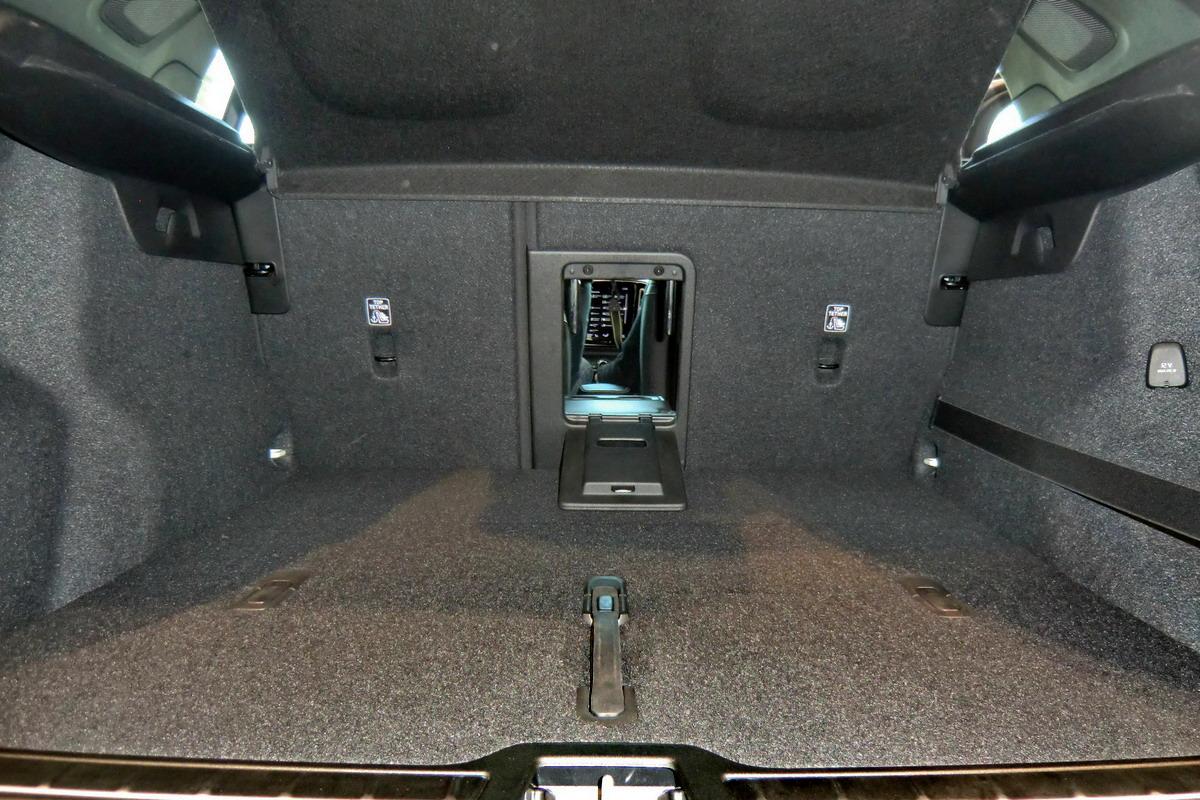 Motori360-Volvo-XC40-Primo-Contatto-09