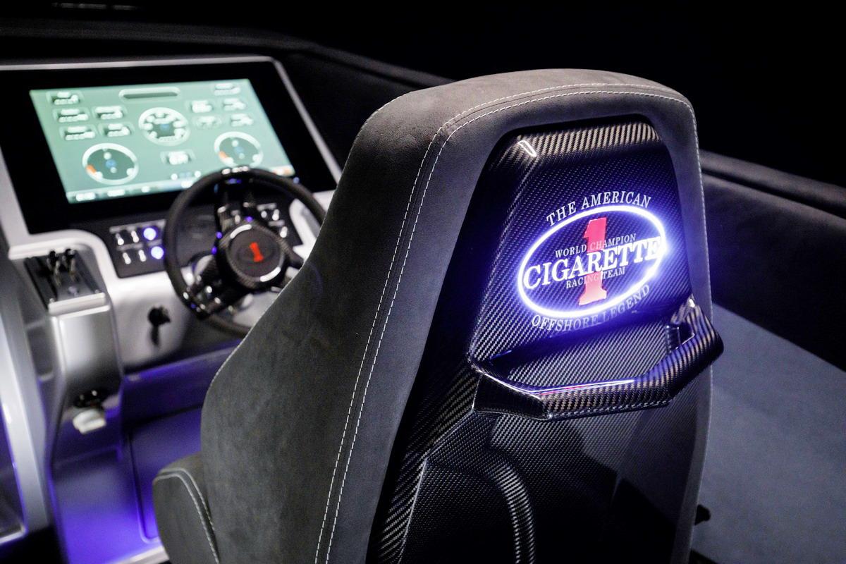 Driving Performance von Mercedes-AMG und Cigarette Racing: Cigarette Racing 515 Project ONE – der neue Performance-Maßstab auf dem Wasser