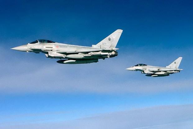 Motori360_F-2000A_Eurofighter-scramble