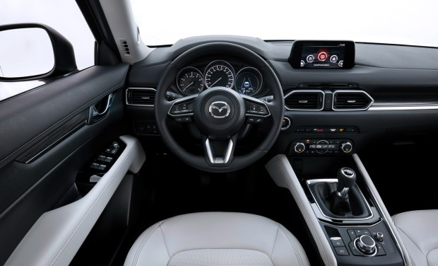 Motori360_CX-5_Geneva_Interior_white-3 (2)