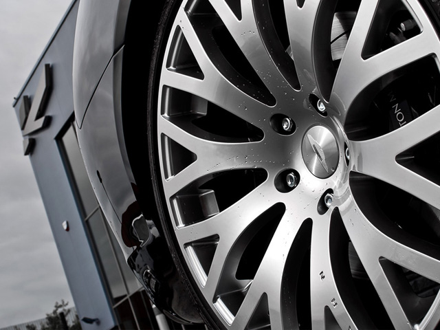 A Kahn Design Aston Martin Rapide RSX-F Wheels