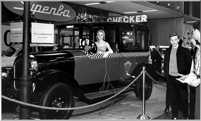 1922 CheckerTaxi at The Chicago Auto Show