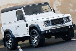 Land Rover Defender 2.4 TDCI 90 Hard Top – Chelsea Wide Track