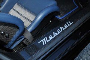 2005 Nero Maserati MC12