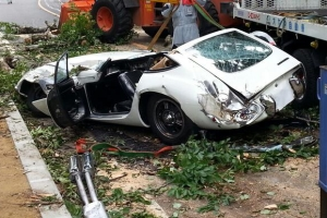 2000GT Crushed