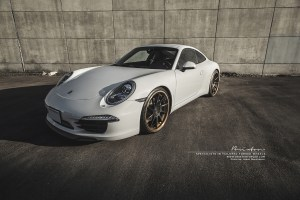 Porsche 911 with Brixton Forged R10D Targa Series Wheels