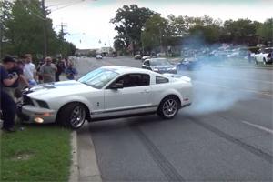Idiot Shelby GT 500 Crash