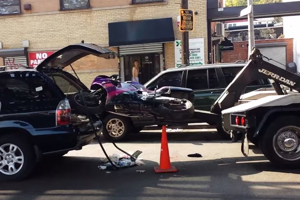 Acura Of Brooklyn >> Friday FAIL: Don't Make Tow Truck Drivers Mad