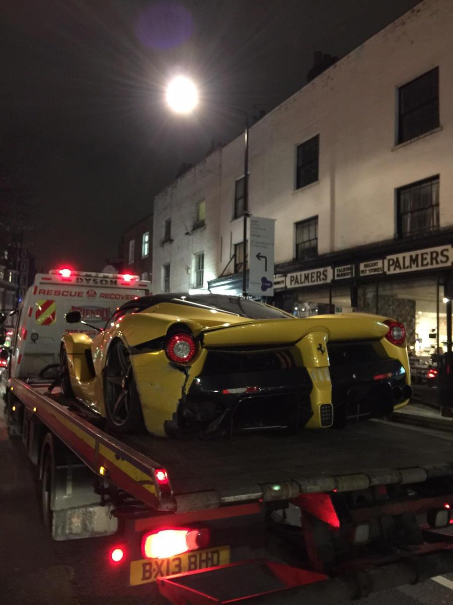 Ferrari LaFerrari Crash A40