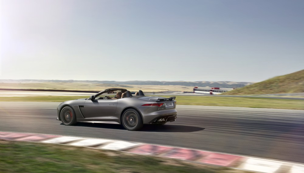 Jaguar F-Type SVR (24)
