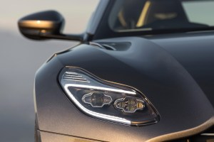 2017 Aston Martin DB11 (40)