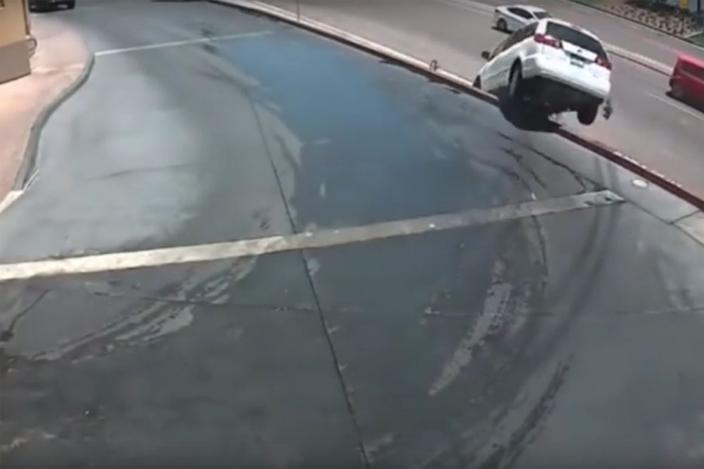 Friday FAIL: Wrong Way to Exit Car Wash