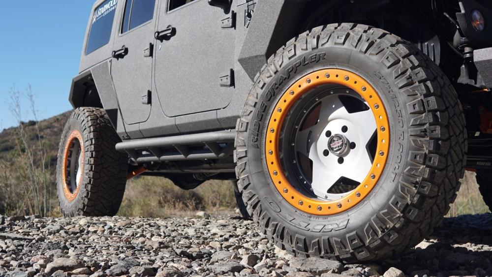 Starwood Motors Jeep Wrangler with Center Line RT1 Wheels