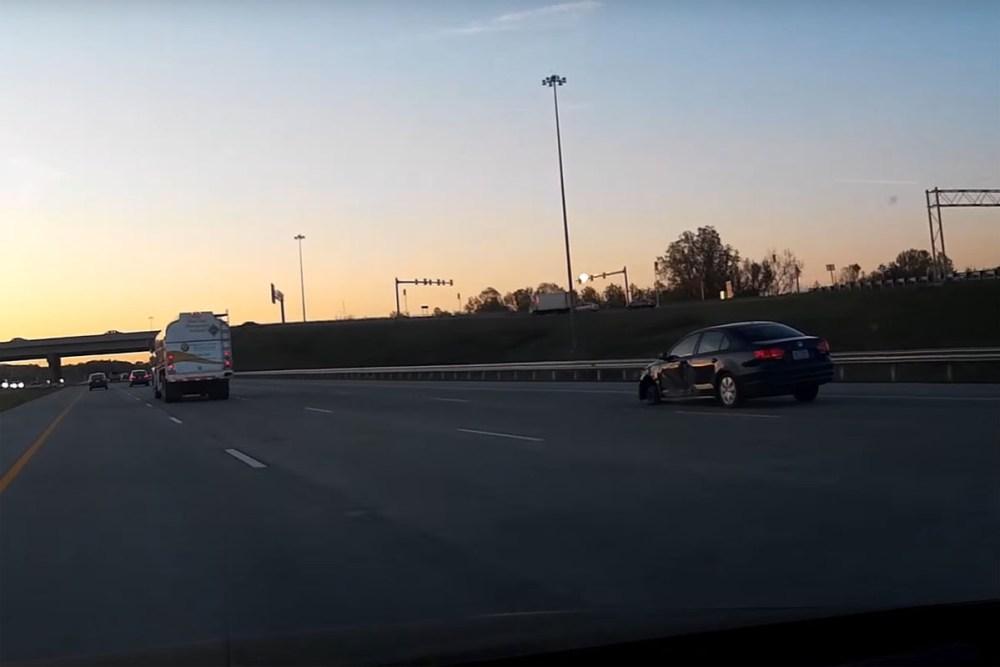 Friday FAIL: Jetta missing wheel driving 75 mph