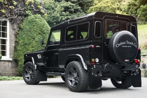 Kahn Land Rover Defender XS Station Wagon Flying Huntsman 105 Long Nose