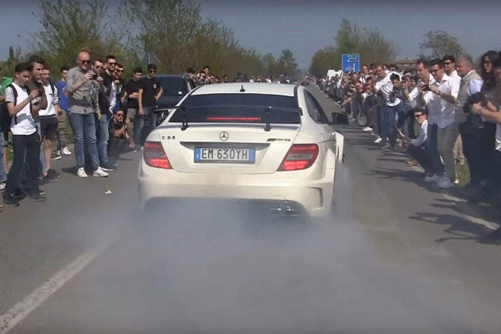 Cars & Coffee Italy Exit