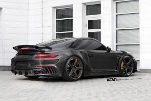 TOPCAR Porsche 911 Stinger with ADV5 M.V1 SL Monoblock Wheels