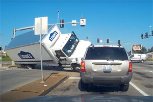Friday FAIL: Lowe's Truck Runs Red Light