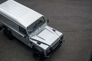 Chelsea Truck Company Silver Superhero Land Rover Defender
