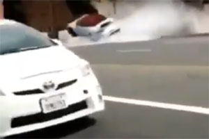 Porsche 911 Turbo Cabrio Crashes into Fire Hydrant