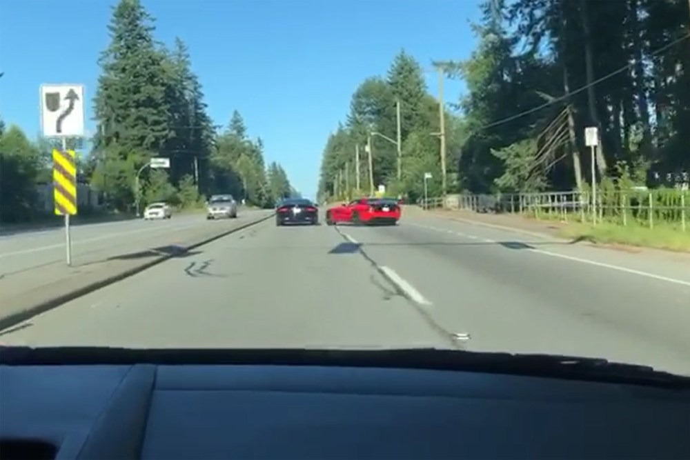 Dodge Viper vs Dodge Viper Drag Race Crash