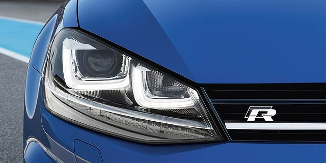 VW_Golf_R_2014