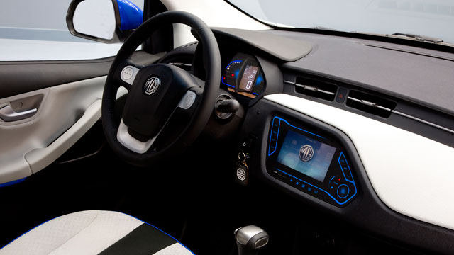 MG_EV_Concept_2014_review_005