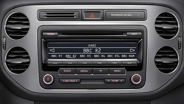 VW DAB radio head unit