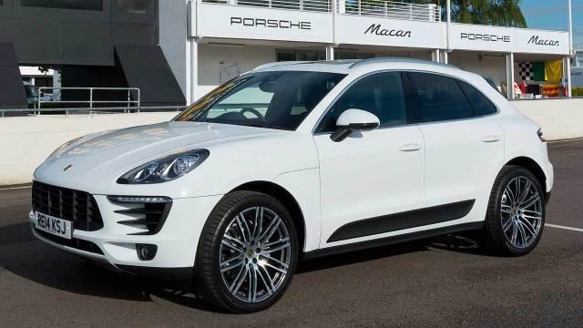 Porsche-Macan-2015-COTY