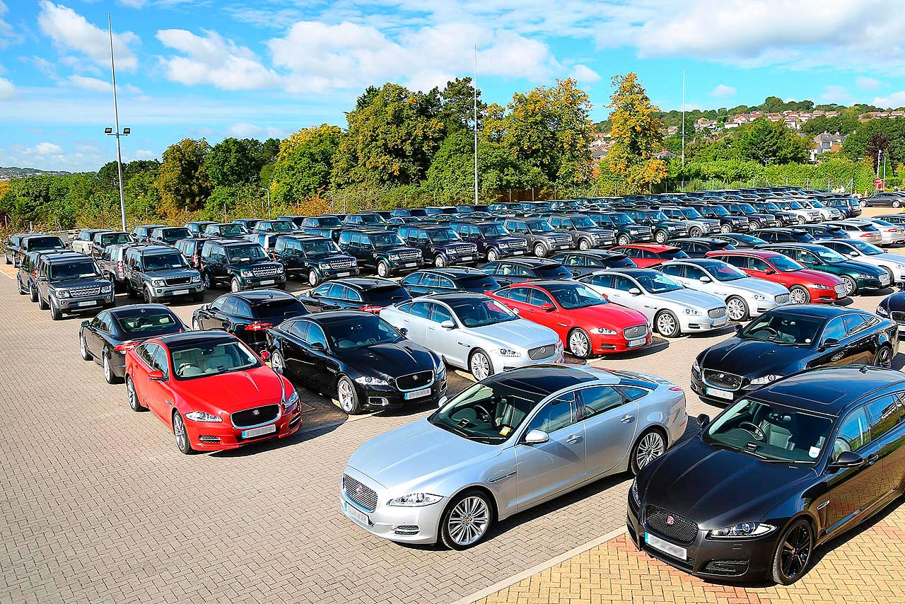 Jaguar Land Rover supplies cars for NATO summit