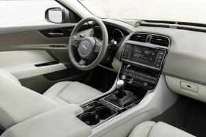 Jaguar XE 2.0d 180 2015 review