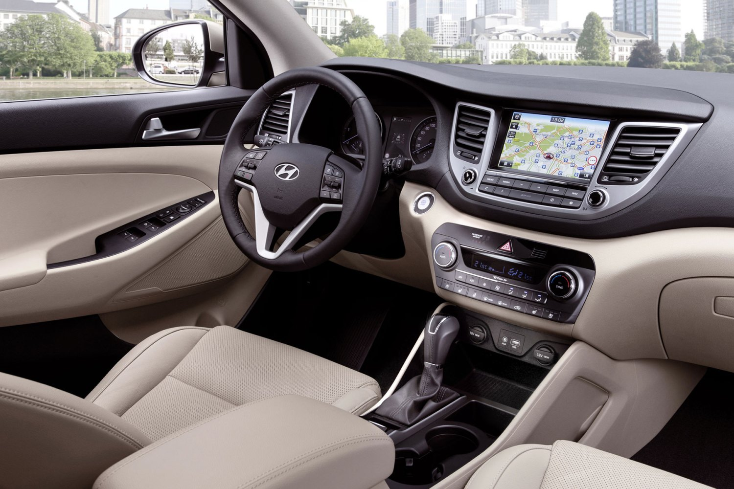 Hyundai Tucson: On the inside