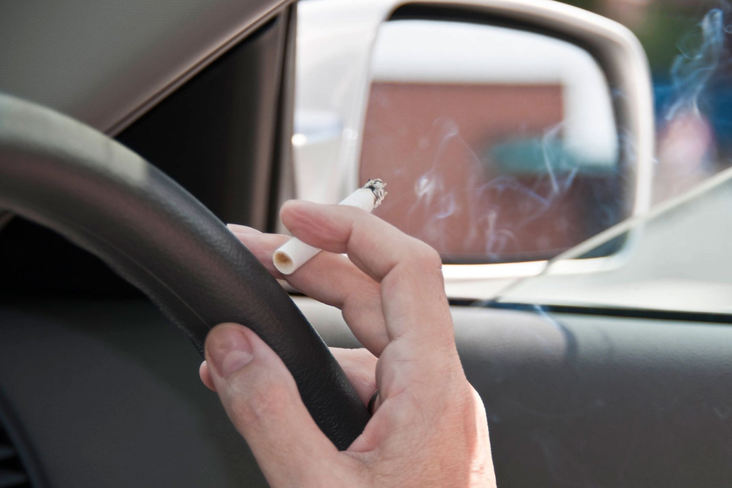 92% of motorists don't believe car smoking ban will be enforced