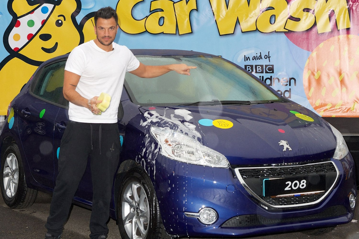 Peter Andre at the car wash