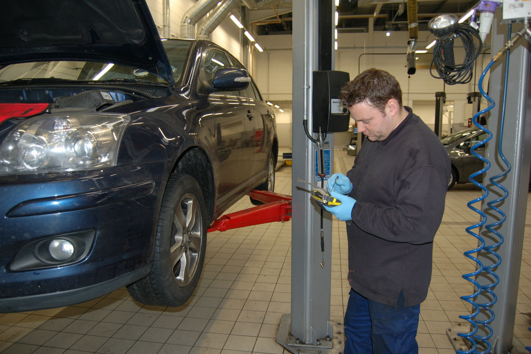 Can you drive your car after an MOT fail if the old test hasn't expired?