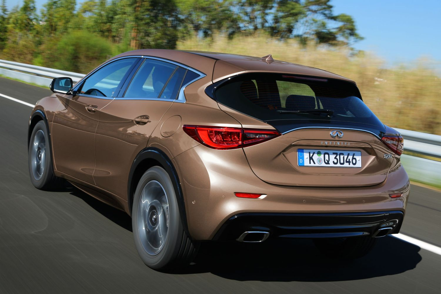 Infiniti Q30 review: On the inside