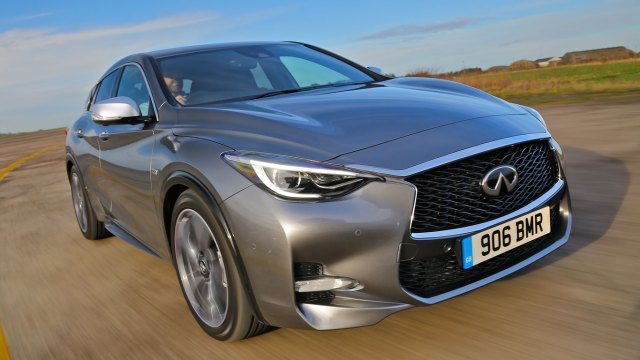 Infiniti Q30: Two-Minute Road Test | Motoring Research