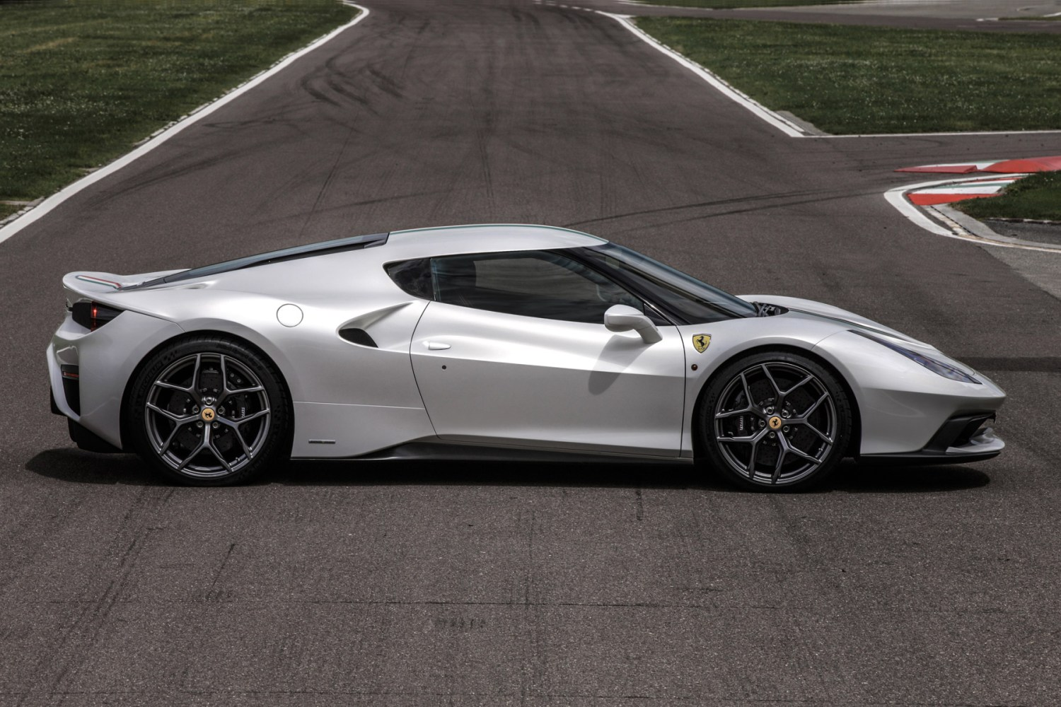 Ferrari creates a one-off 458 MM Speciale for wealthy Brit customer