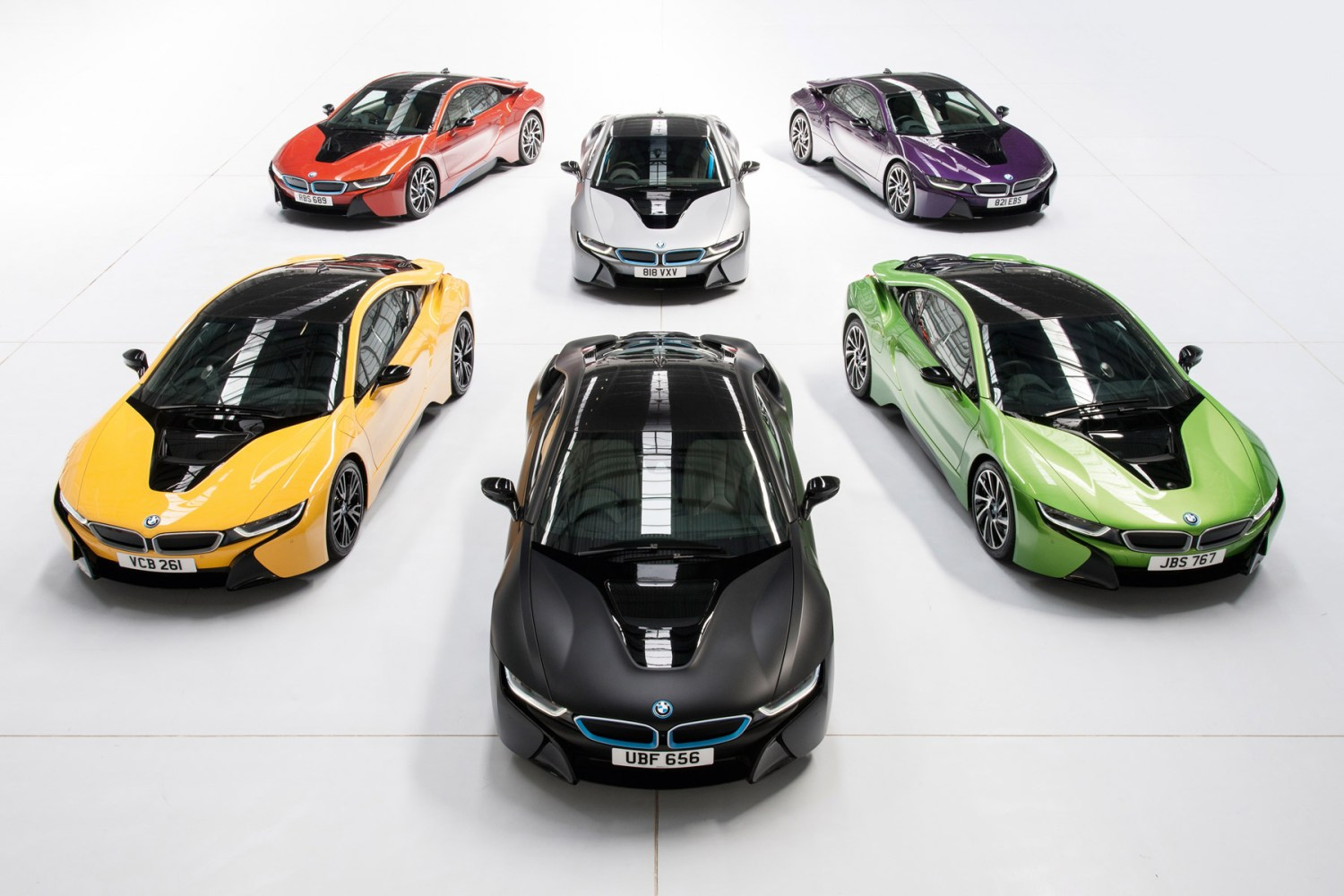 BMW will paint your i8 in one of these funky colours for £5,495