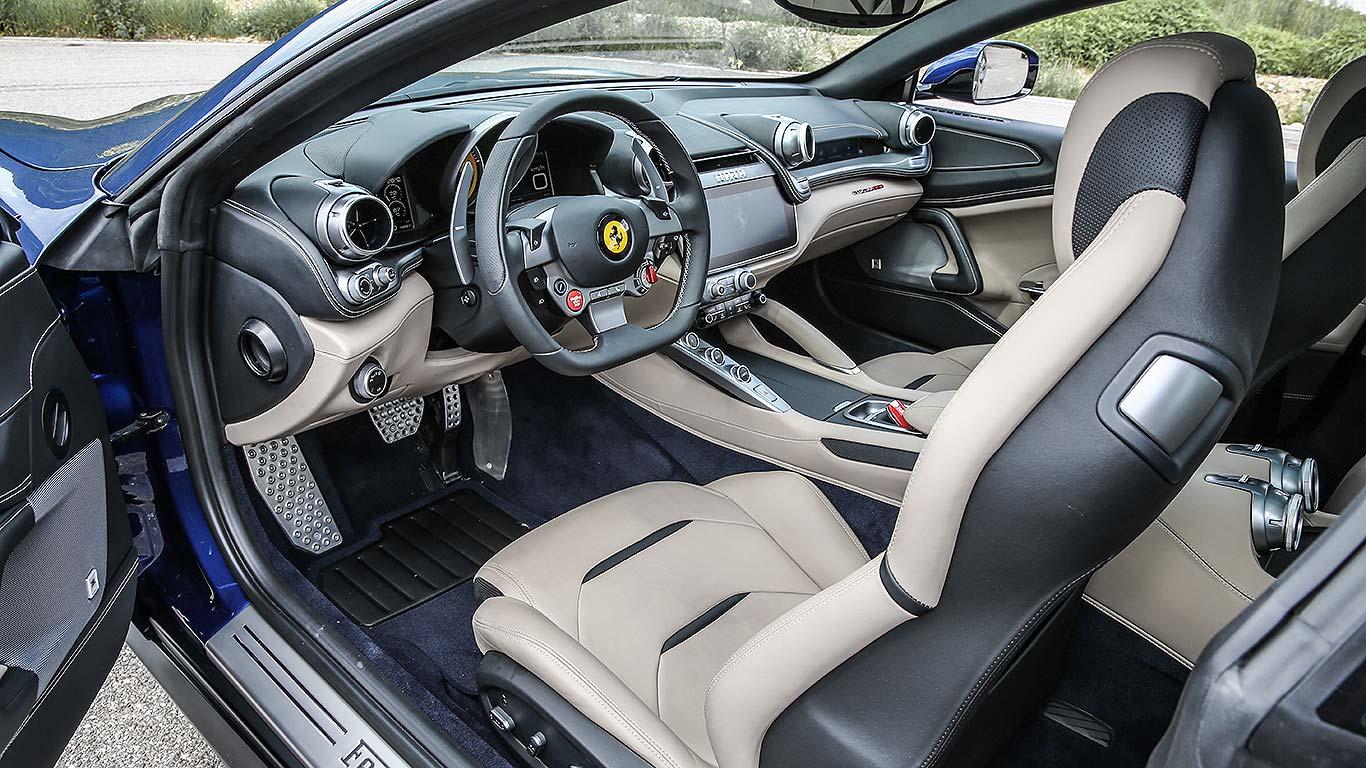 Ferrari GTC4Lusso (2016)